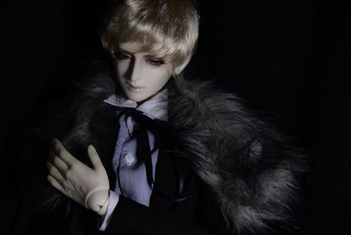Ring doll、杉苔の空さんにメイクして頂いた、Ronaldのメフィストフェレス2世。悪魔の父と吸血鬼の母を持つ、魔界の貴公子。