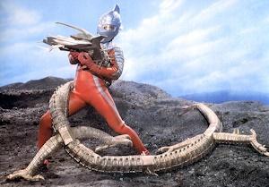 ウルトラセブンと戦うナース - コピー