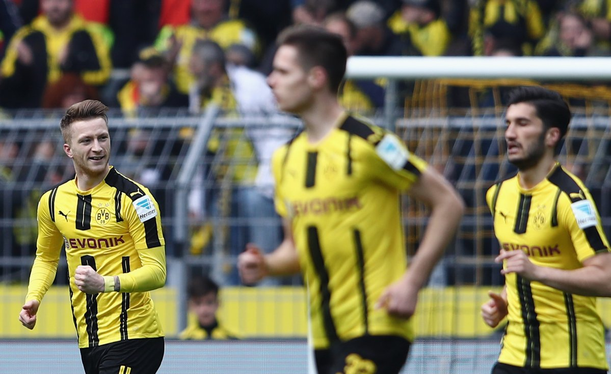 A dream start for Dortmund! Reus opens the scoring after some brilliant work by Pulisic