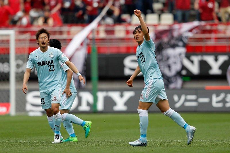 Shunsuke Nakamura great goal (Júbilo Iwata v Kashima)