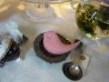ナンフェア ピンクのドット柄 目玉はボタン