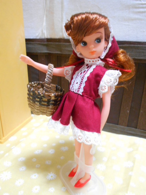 初代リカちゃん 赤ドレス 003