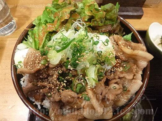 デカ盛り豚丼メニュー紹介015
