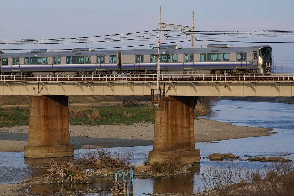 阪和線大和川を渡る20170218aaas