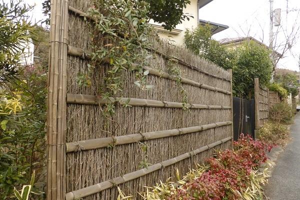 18-47 しの竹の塀