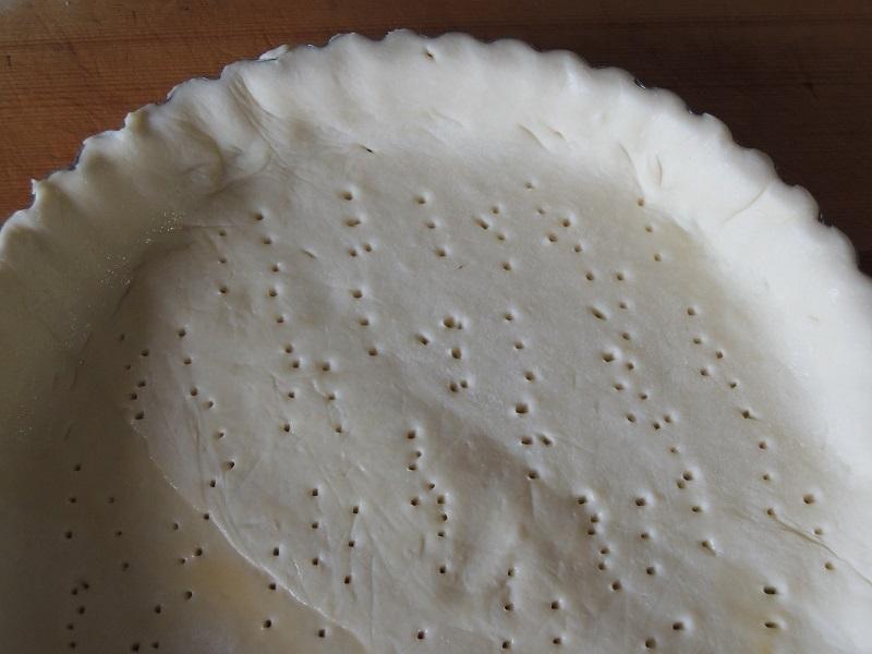 パイ皿にパイシートを敷きます