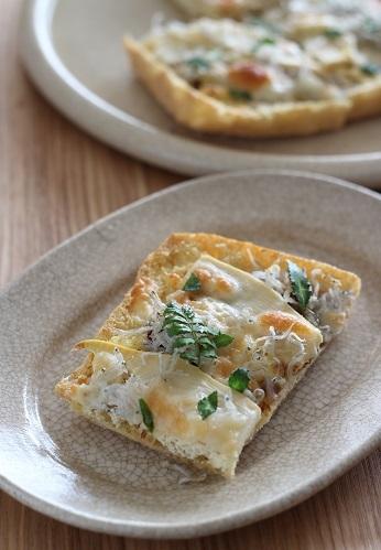 栃尾の油揚げタケノコしらすチーズ1