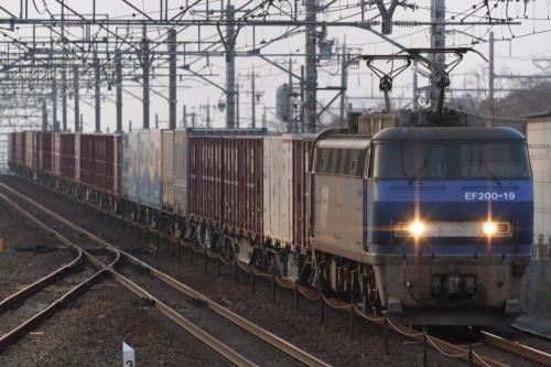 EF200-19代走・5070レ 南大高駅