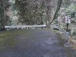 西椎屋滝壺2
