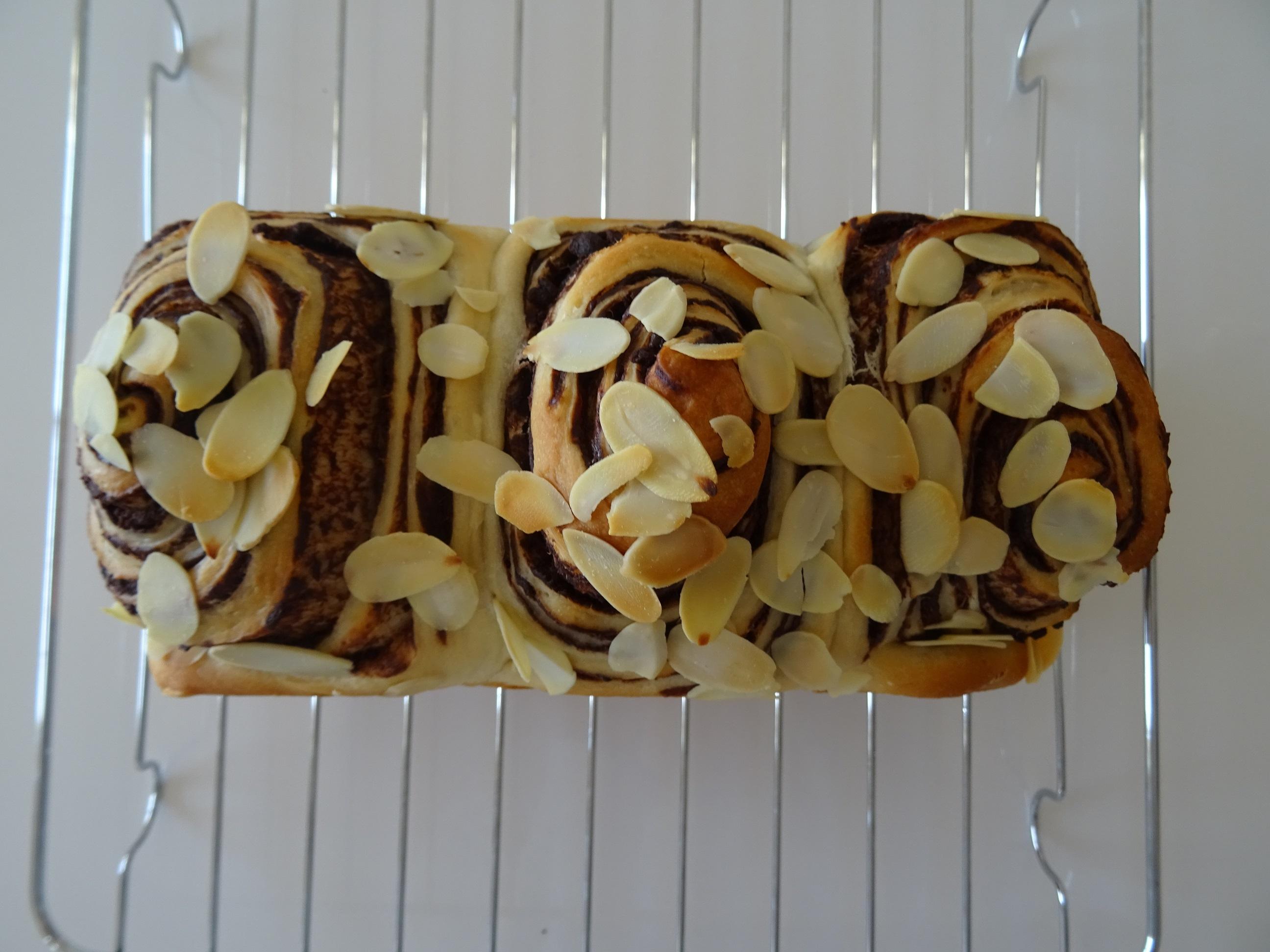 ショコラマーブル&カップパン(夏野菜ピザ&バナナクリーム)2