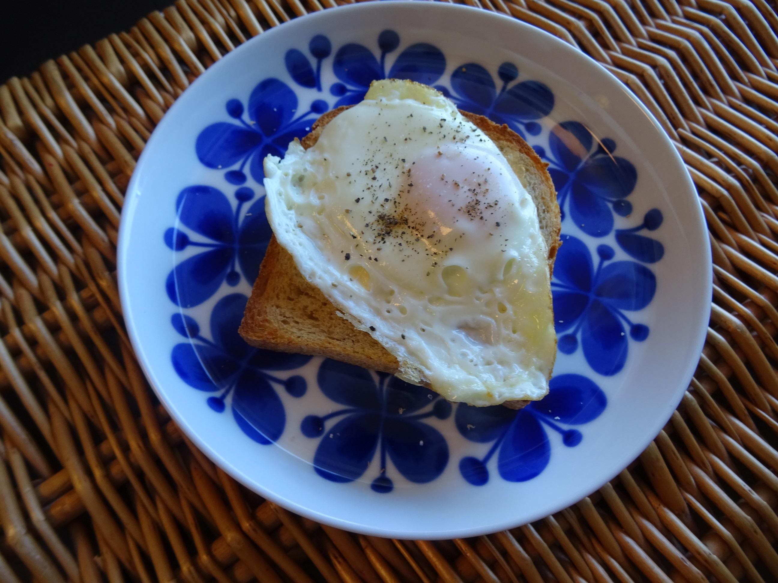 自家製酵母のライ麦食パン1