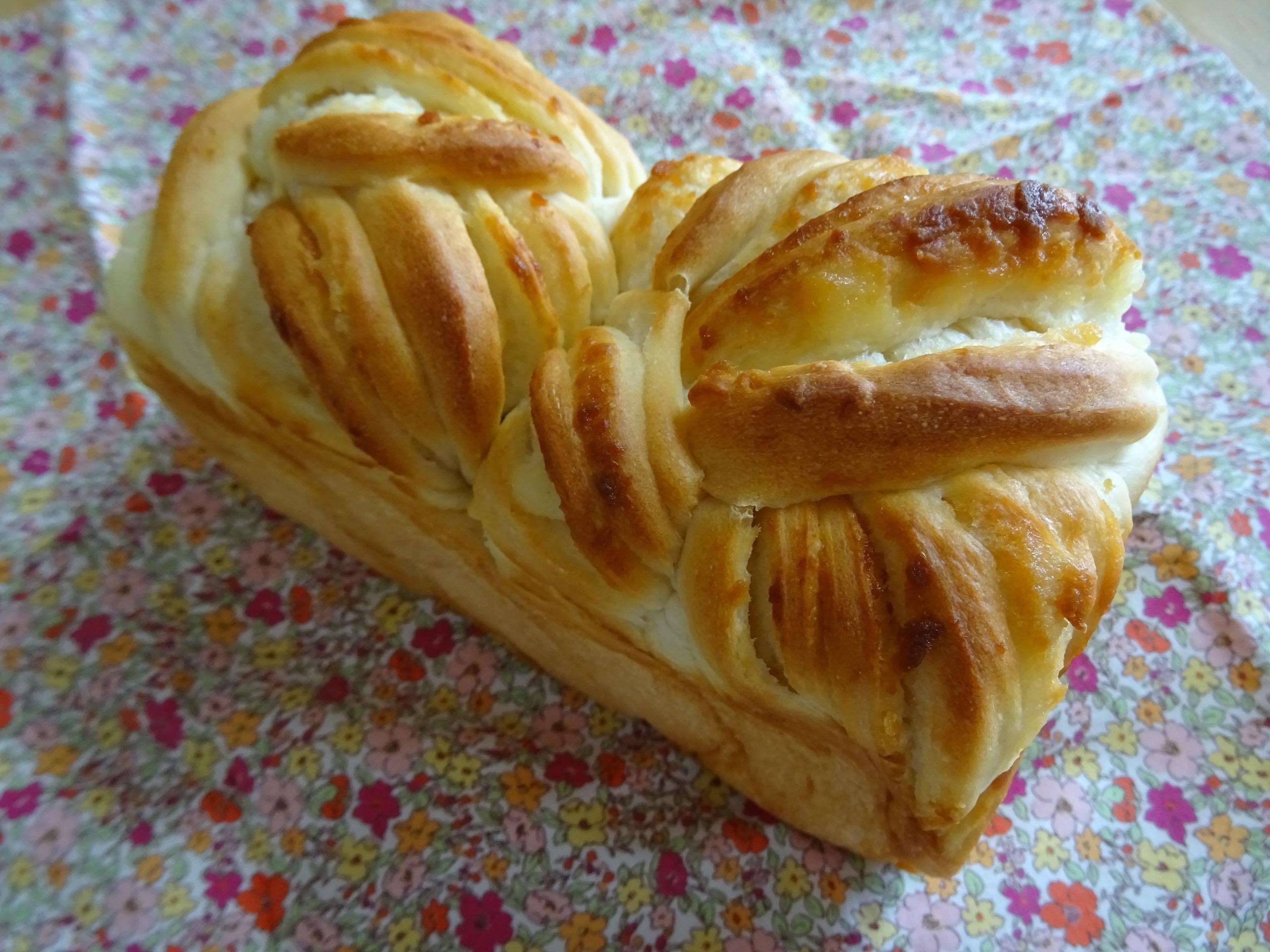 ミルクの折込パン&チョコ食パン1