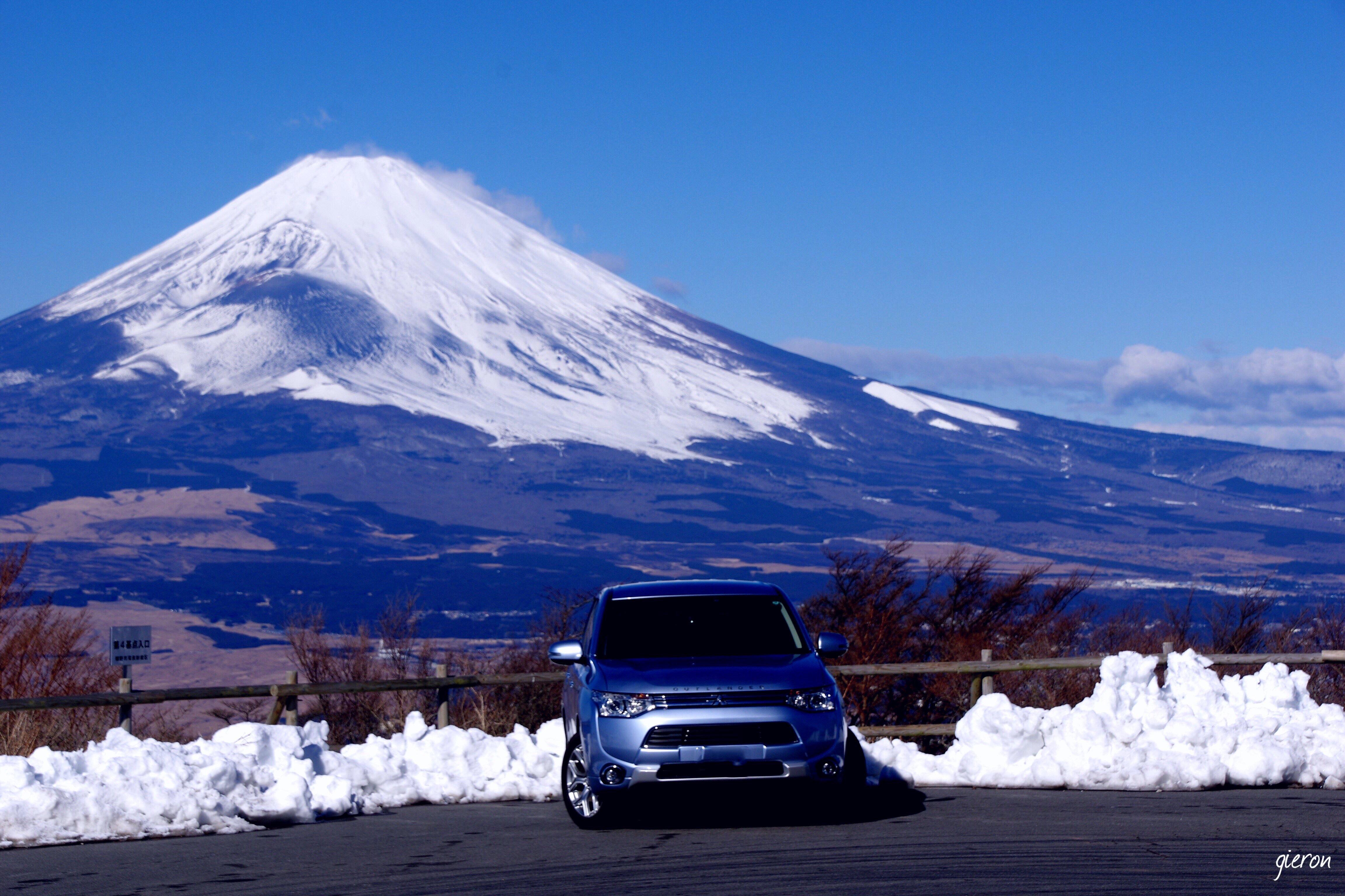 アウトランダーPHEV 芦ノ湖スカイライン三国峠展望台 富士山