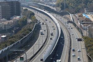 名神高速道路・天王山トンネル付近