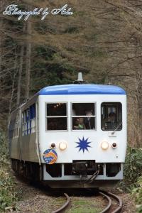 8421レ「奥出雲おろち号」(=DE15-2558推進)