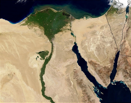 Nile_River_and_delta_from_orbit.jpg