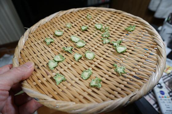 ブロッコリーの茎輪切り