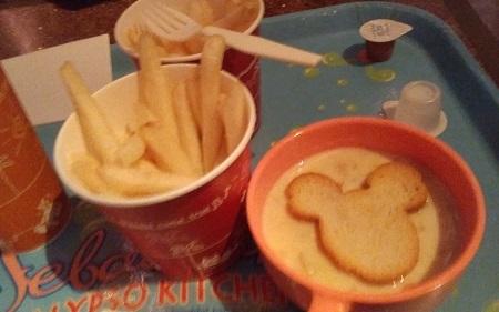 シーフライドポテトとスープ
