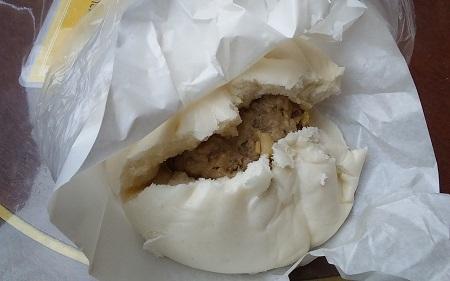 中華街肉まん3