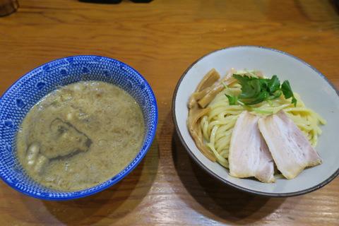 百日紅(煮干しつけ麺)
