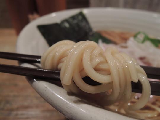 醤油らあめんの麺