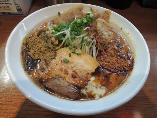 辛口炙り肉ソバ『味噌』(辛さレベル7、しびれ度レベル7)