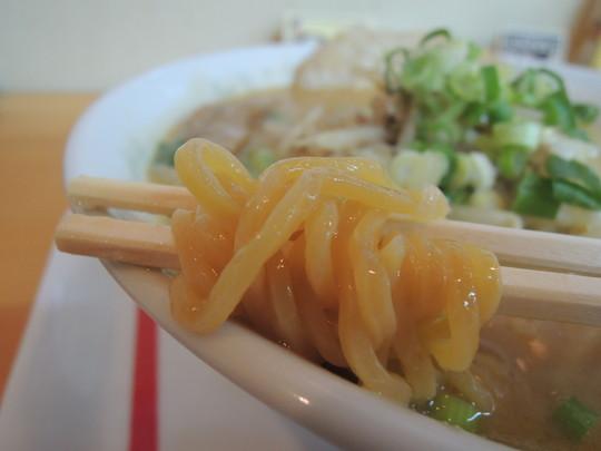札幌みそラーメンの麺