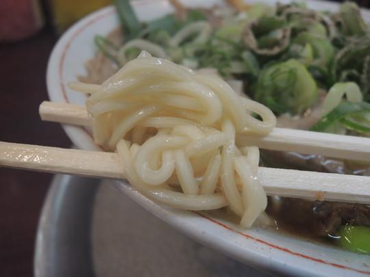 Bらーめん(醤油チャーシューめん)の麺