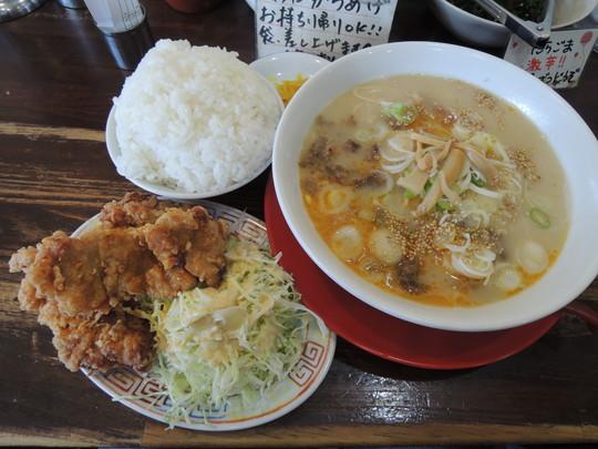 からあげ定食(スジラーメン)(1280円)