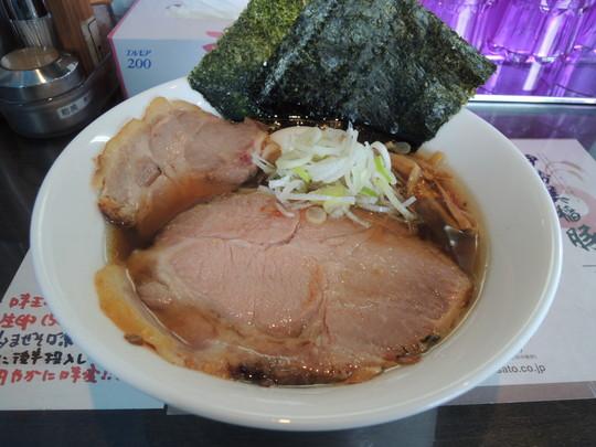 カキ正油らぁ麺(1000円)