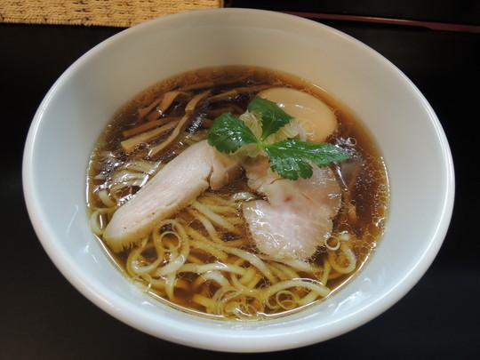 鶏そば(670円)+煮玉子(100円)