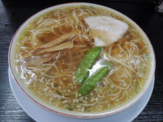 中華そば並(594円)
