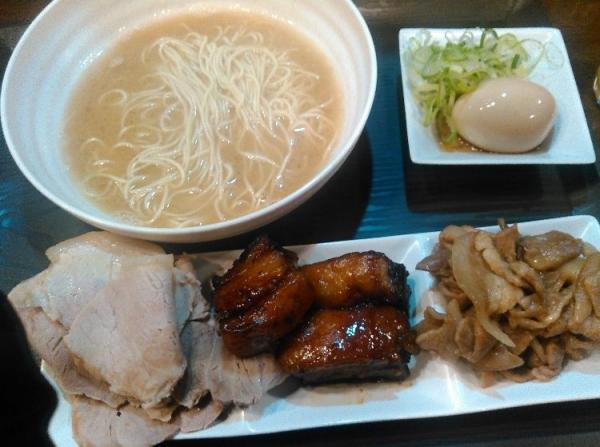 【朗報】浅草にラーメン食べ放題980円の神店が現る