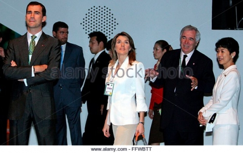 spanish-crown-prince-felipe-l-and-princess-letizia-c-visit-the-spanish-ffwbtt.jpg
