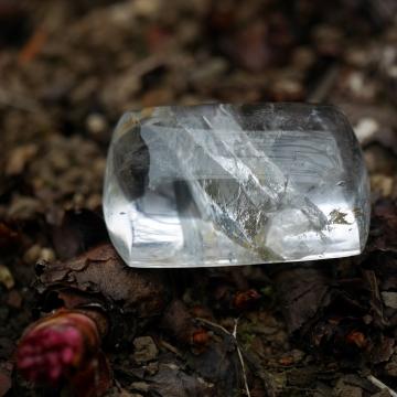 貫入水晶 (2)