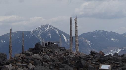 車山山頂から蓼科山