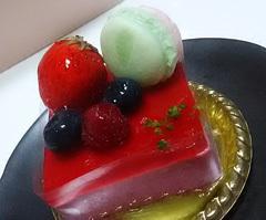 オークラホテルのお雛様ケーキ