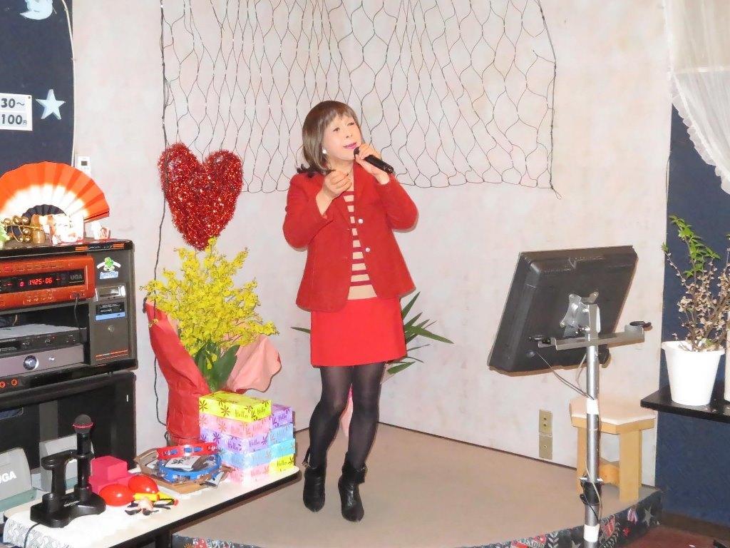 赤ボーダーセーター赤ミニスカカラオケ(4)