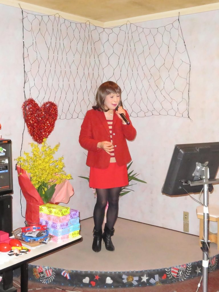 赤ボーダーセーター赤ミニスカカラオケ(2)