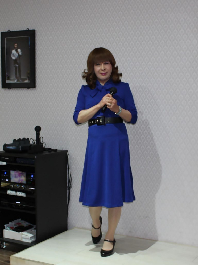 青色リボンワンピカラオケ(1)