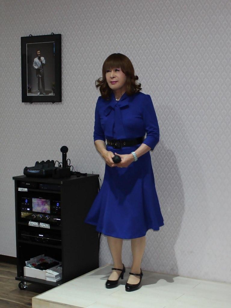 青色リボンワンピカラオケ(2)
