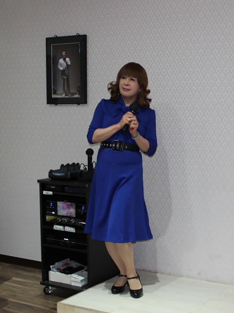 青色リボンワンピカラオケ(3)