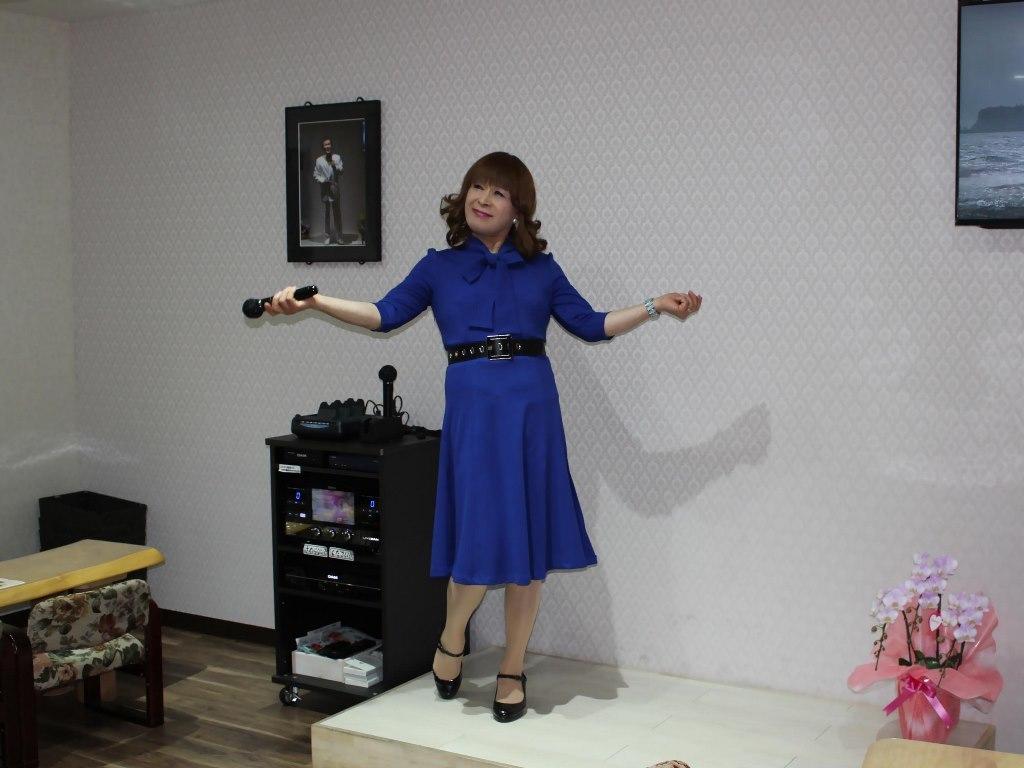 青色リボンワンピカラオケ(5)
