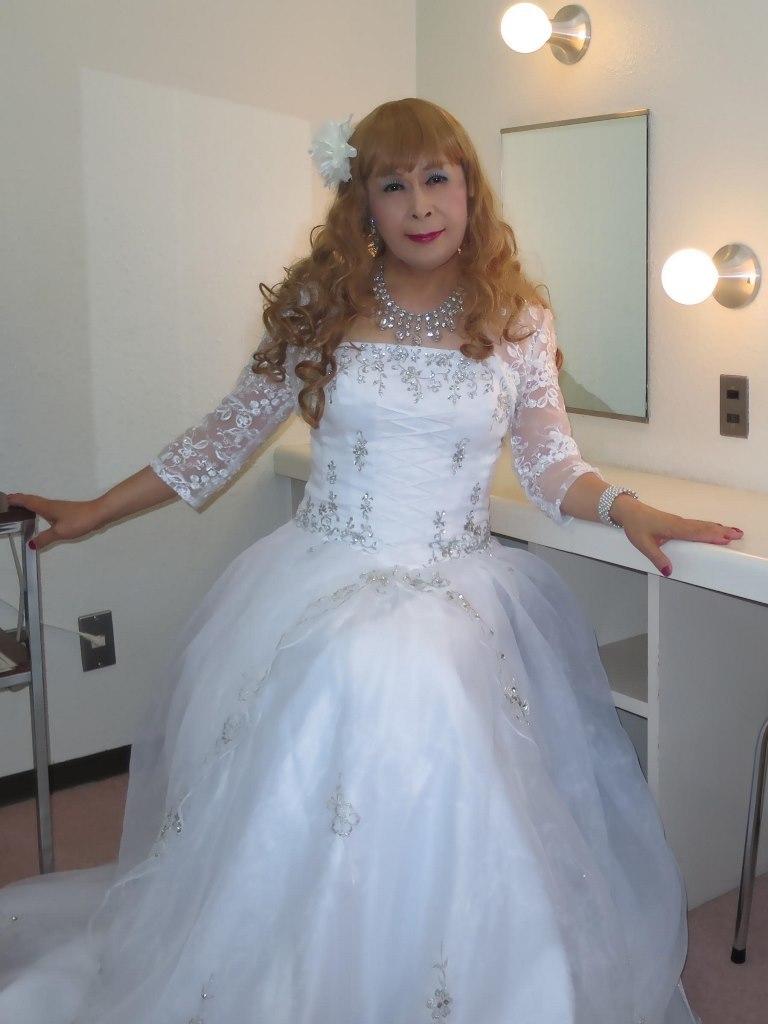 白ドレス舞台更衣室にてA(2)
