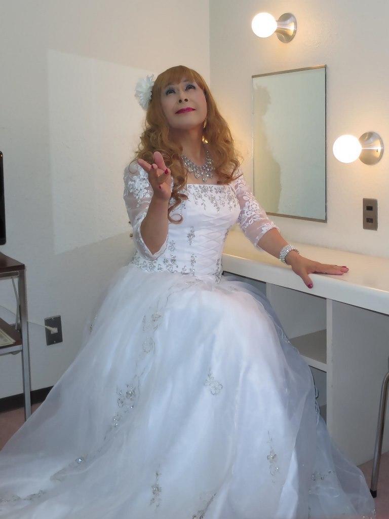 白ドレス舞台更衣室にてA(4)