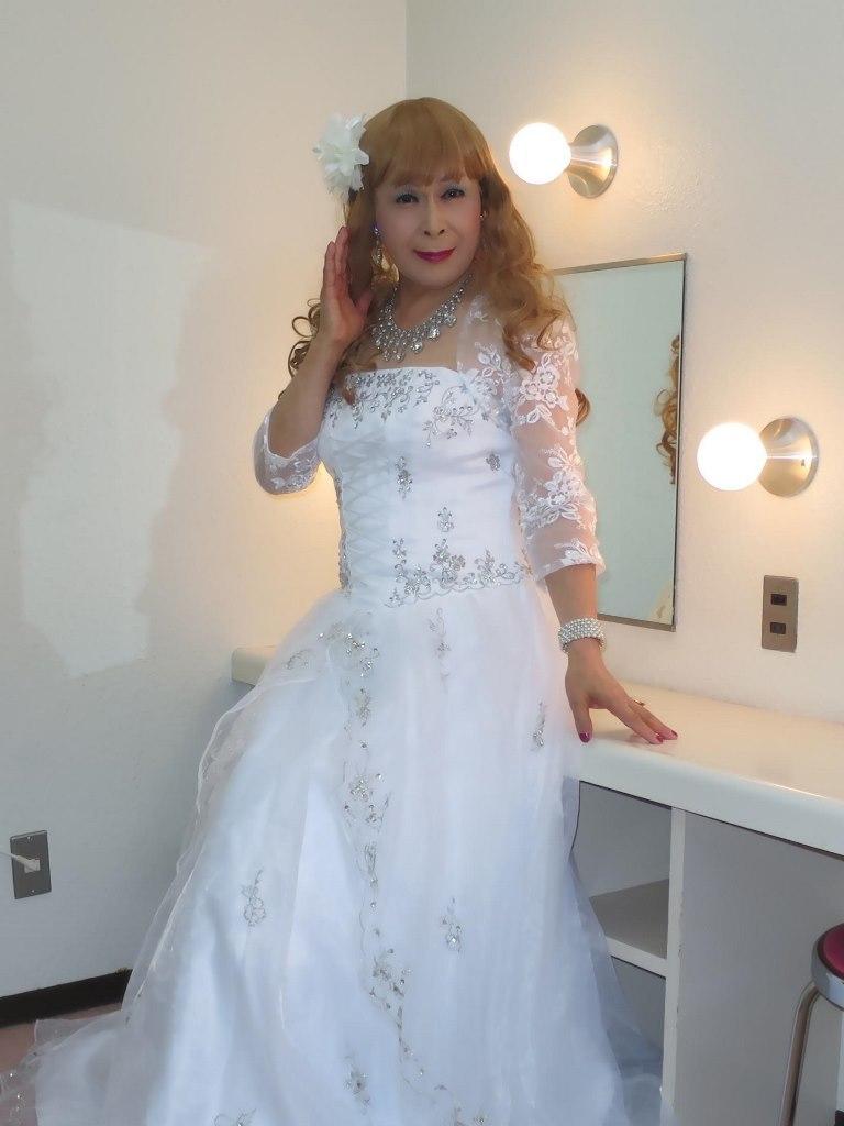 白ドレス舞台更衣室にてA(7)