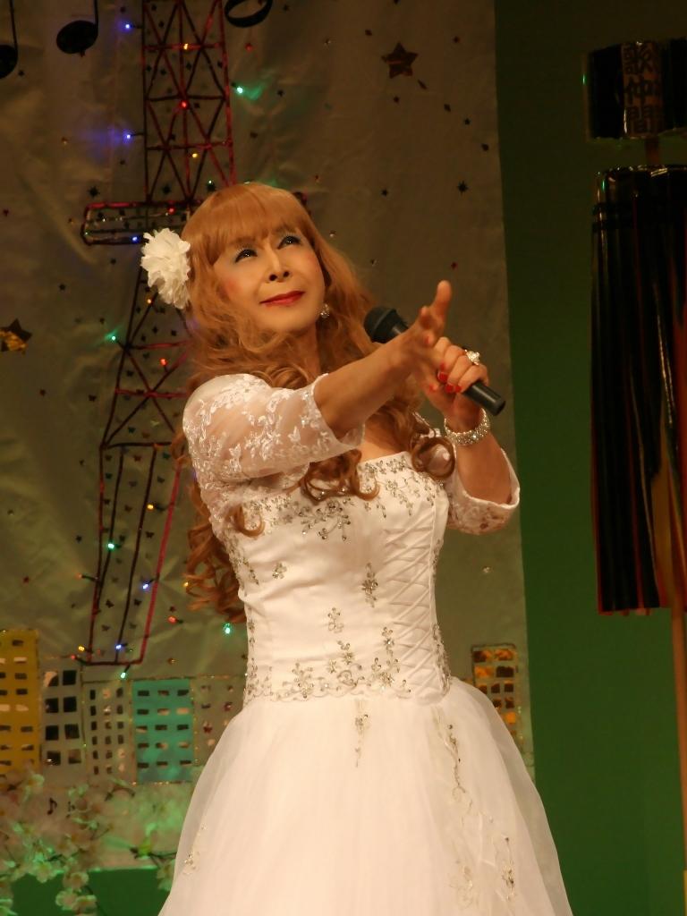 白ドレス舞台おんな炎A(1)