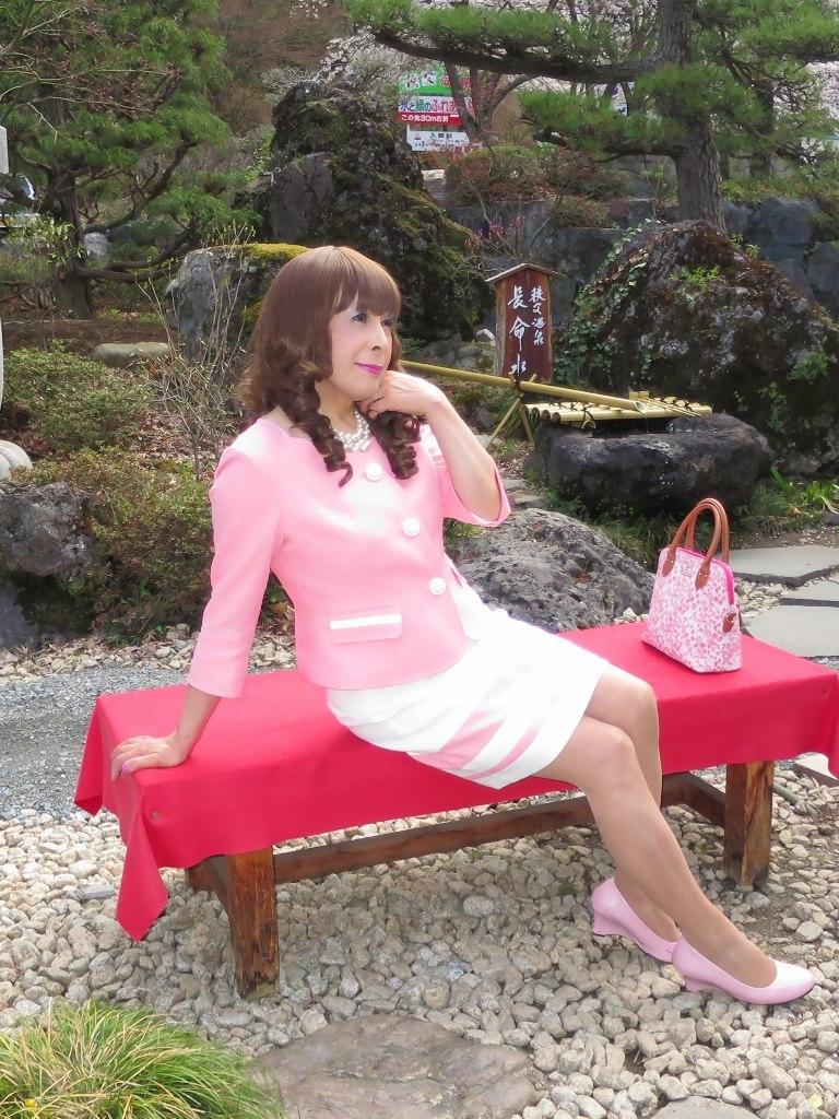 ピンクスーツ温泉前(3)