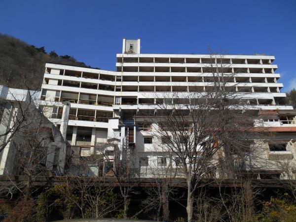 廃墟ホテル1