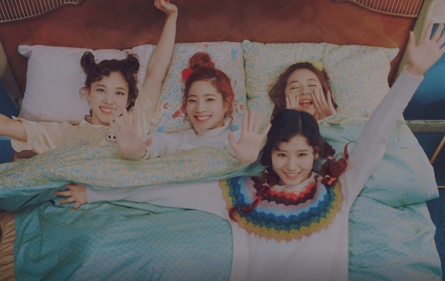 TWICE-KnockKnock-09.jpg